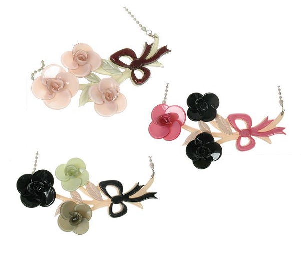 BIG BABY Posy Of Roses Necklace