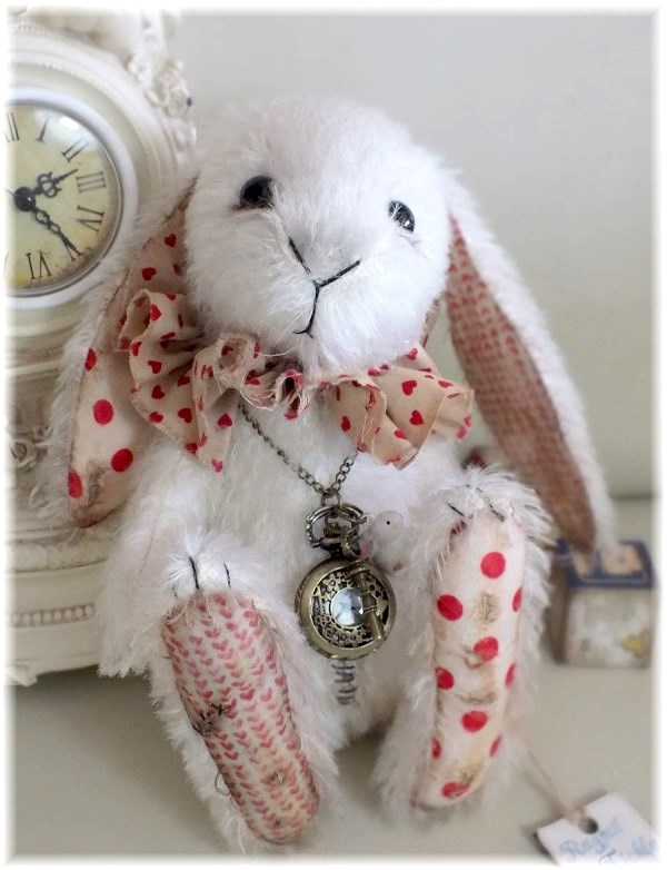 Mr. Topsy Turvy - The White Rabbit!