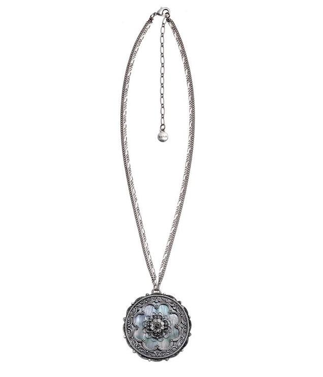 Bohm Victorian Ritz MOP Pendant Necklace