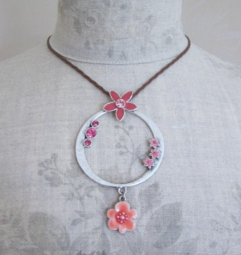 PILGRIM - ENCHANTED FLOWER - Hoop Pendant Necklace - Silver Plate/Pink BNWT