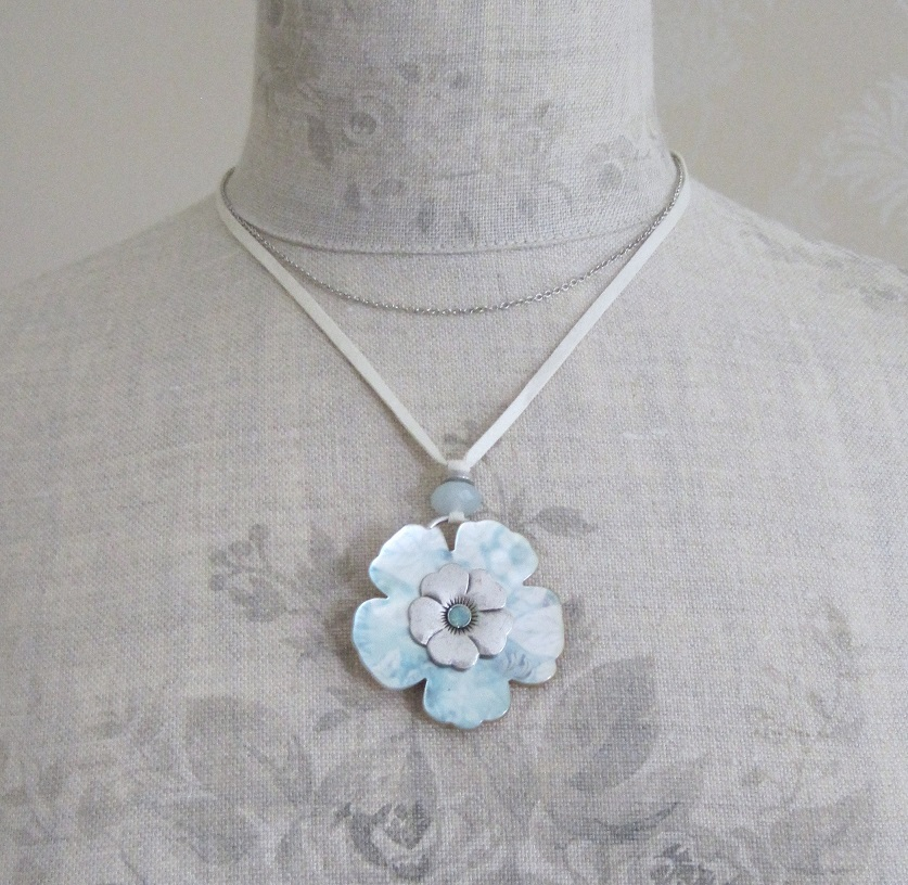 PILGRIM - Pearly Petals - Flower Pendant Necklace - Green/Silver Plate BNWT