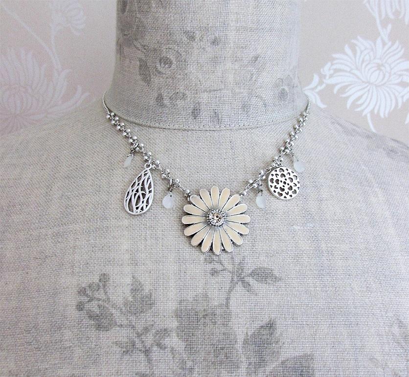 PILGRIM - Flourish - Flower Charm Necklace - Silver/Nude BNWT