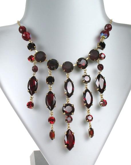 PILGRIM - Sparkling Rocks - Cascade Necklace - Gold/Red BNWT