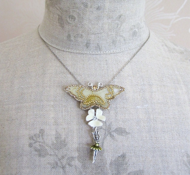 PILGRIM - FAVOURITES Butterfly Pendant Necklace White & Silver BNWT