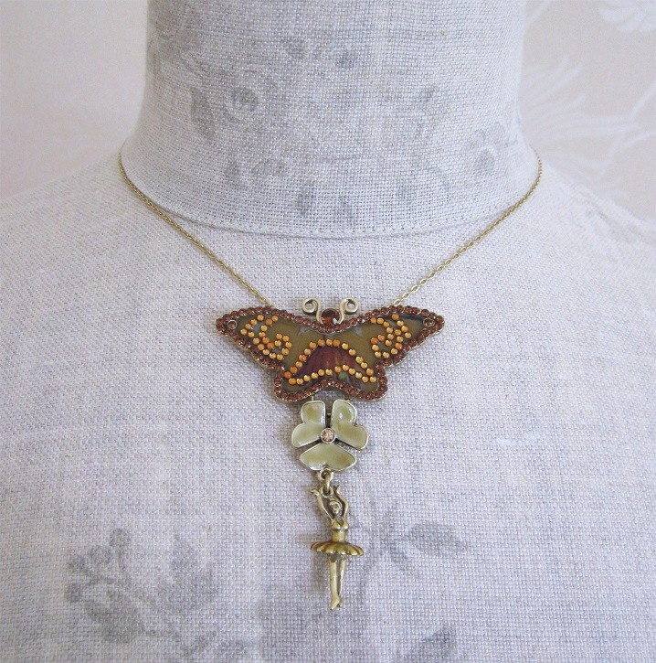 PILGRIM - FAVOURITES Butterfly Pendant Necklace Brown & Gold BNWT
