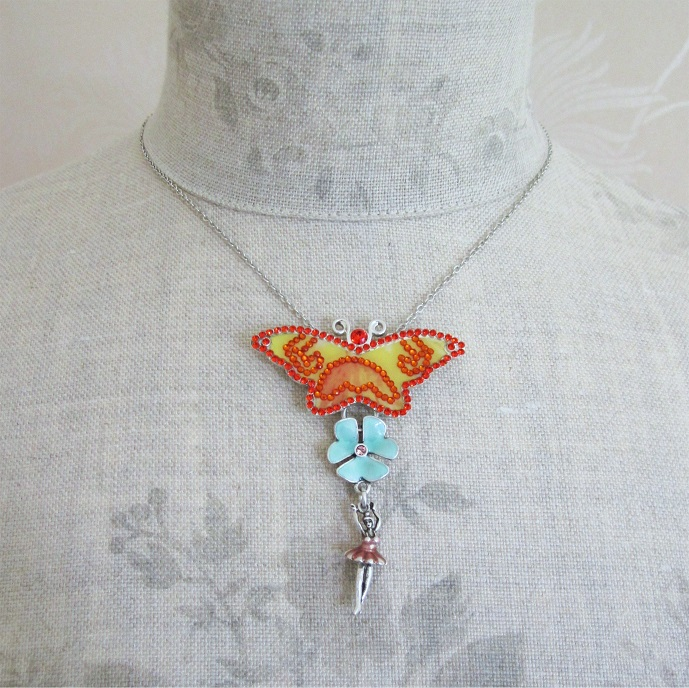 PILGRIM - FAVOURITES Butterfly Pendant Necklace Multi-Colour & Silver BNWT