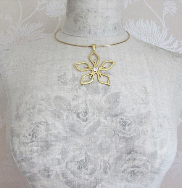 PILGRIM - Delicate Flower - Collar Necklace - Gold Plate/Clear Swarovski BNWT