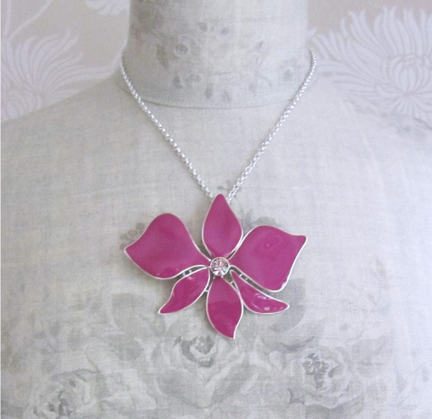 PILGRIM - Sweet Sensation Necklace - Large Articulated Orchid - Silver/Pink BNWT