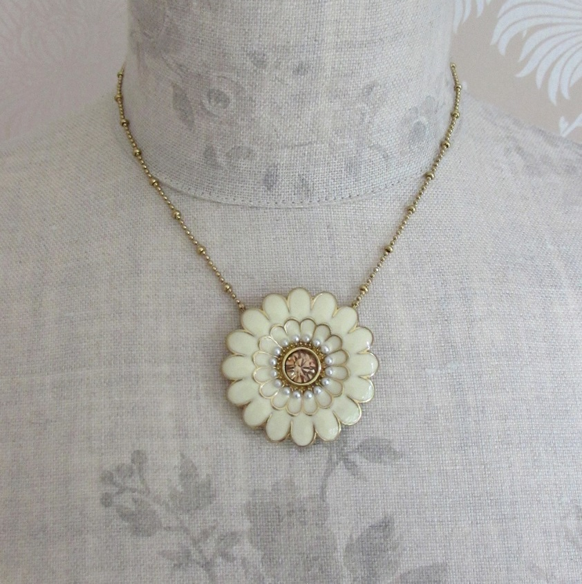 PILGRIM - Ethnic Celebration - Flower Necklace - Cream/Gold Plate BNWT
