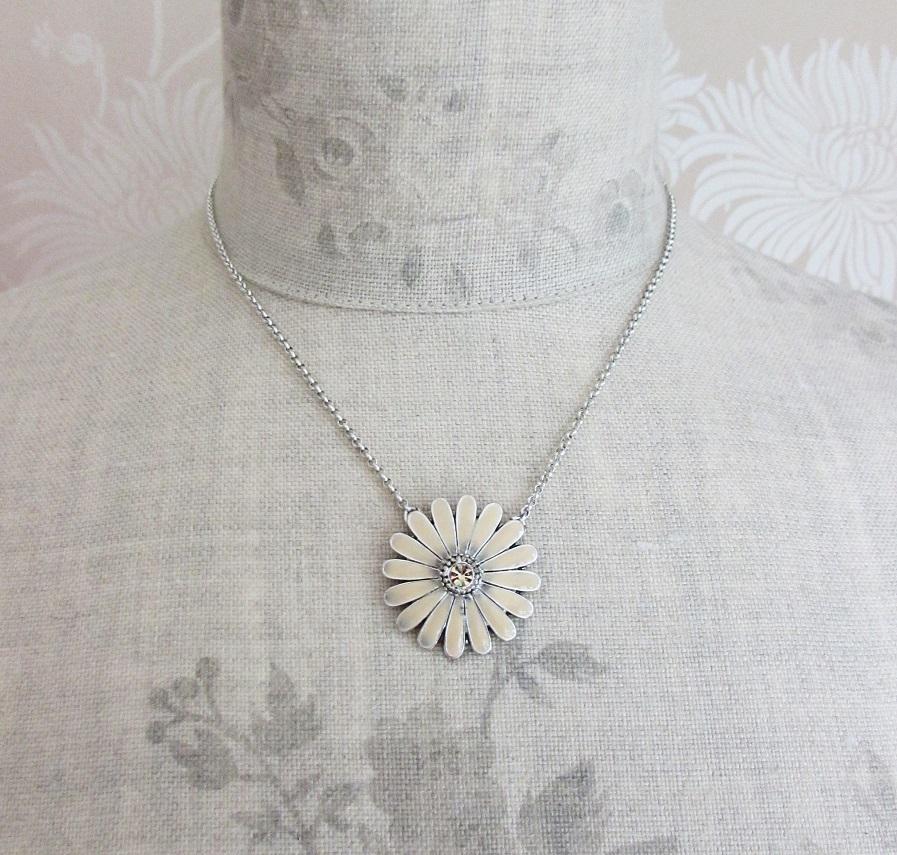 PILGRIM - Flourish - Single Flower Pendant Necklace - Nude/Silver BNWT