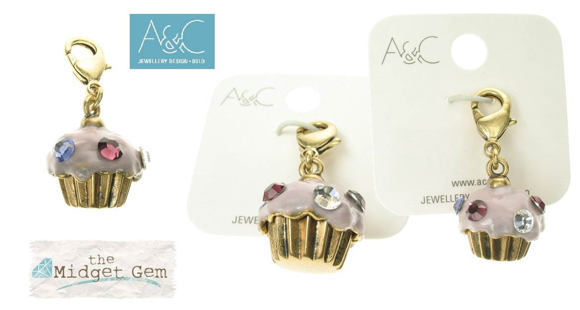 A & C - 'Dolls House' Cup-Cake Bun Clasp On Charm Bronze Plate