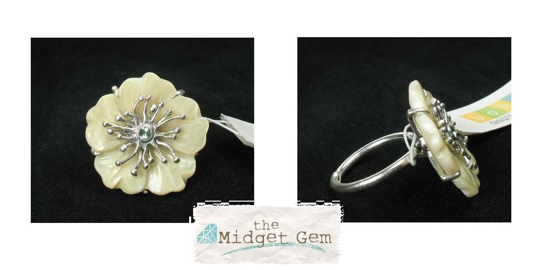 Bohm Floral Couture MOP Flower Ring