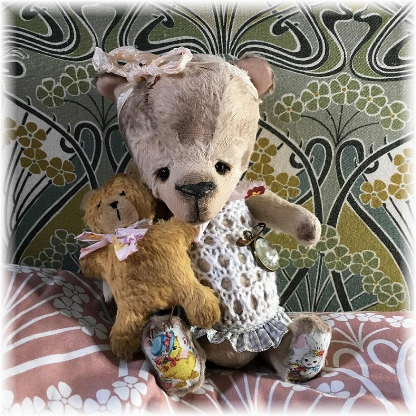 Mollie - Cute Baby Bear & Teddy-Bear