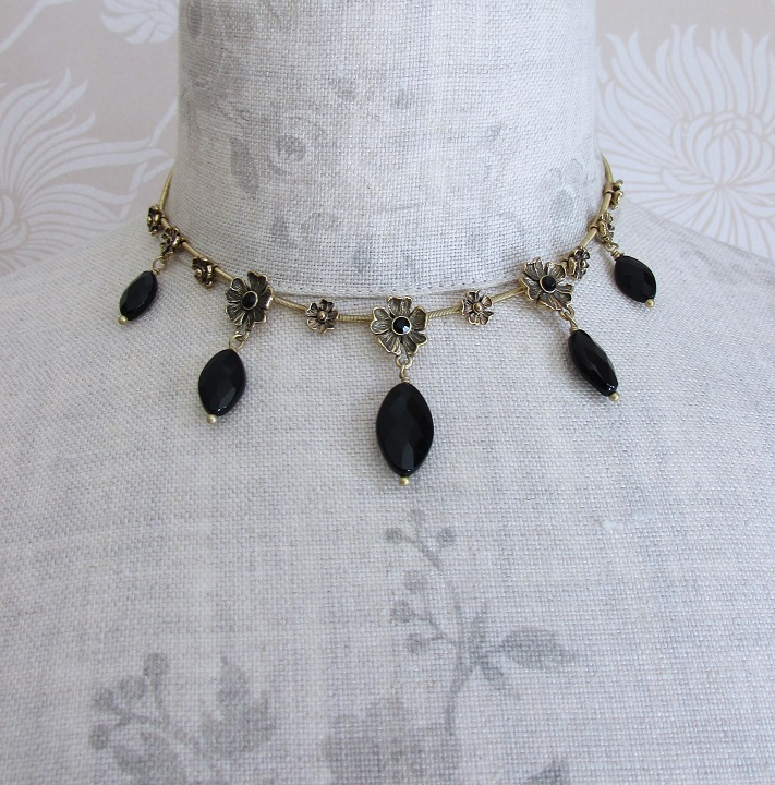 PILGRIM - Autumn's Finest - Flower & Crystal Drop All-Round Necklace - Gold/Black BNWT