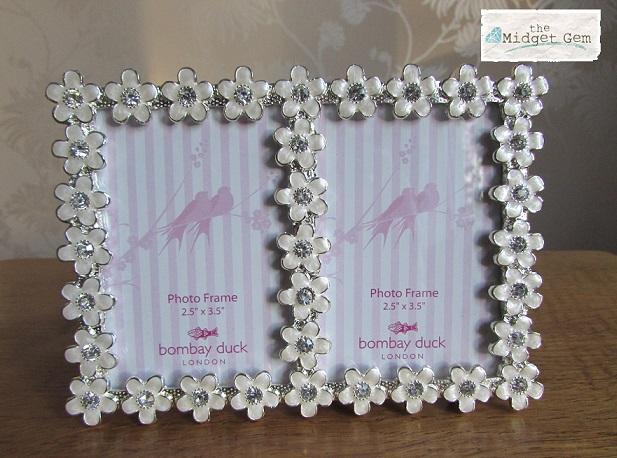 Bombay Duck Flower Detail Photo Frame - White/Clear - Boxed