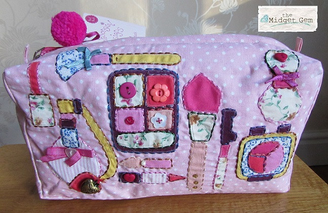 Bombay Duck - 'Buttongirl' - Make-Up/Wash Bag BNWT