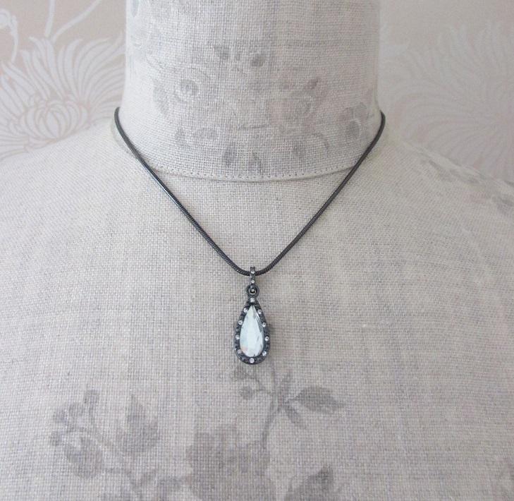 PILGRIM - Delicate Night - Pendant Necklace - Haematite Plate/Clear BNWT