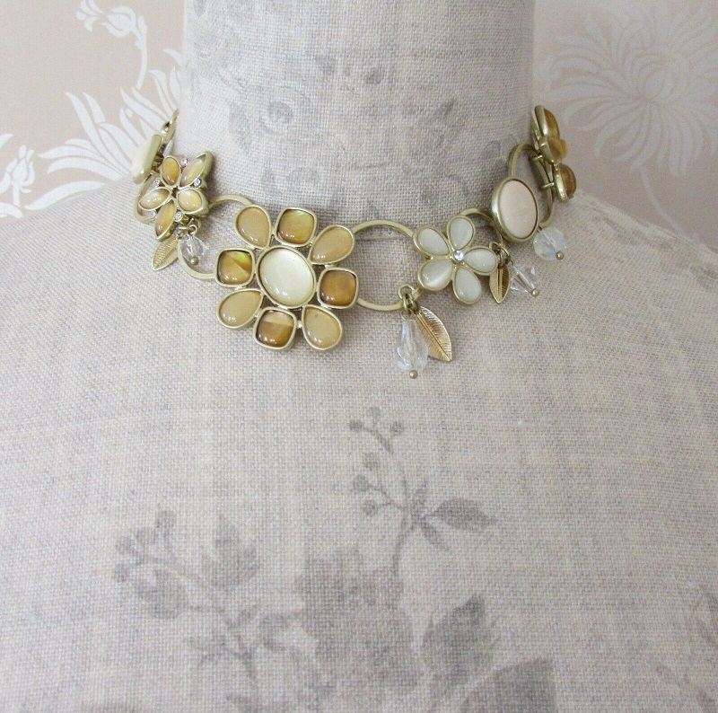 BOHM - Flower Necklace Collar Glass JEWEL Swarovski - Gold/Sandy Cream Pearl BNWT