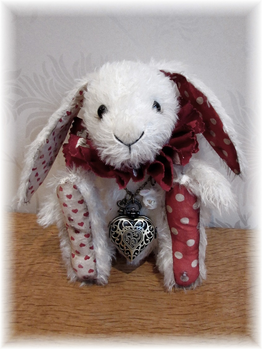 Mr Tickletoes - White Rabbit Who Will Never be Late!