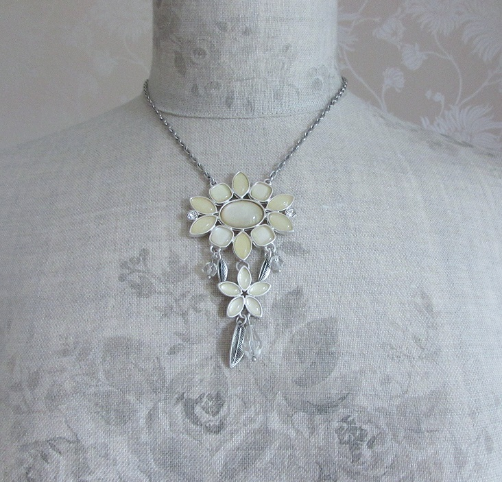BOHM - Glass Petals Flower Pendant Necklace - Oxidised Silver/White & Cream BNWT