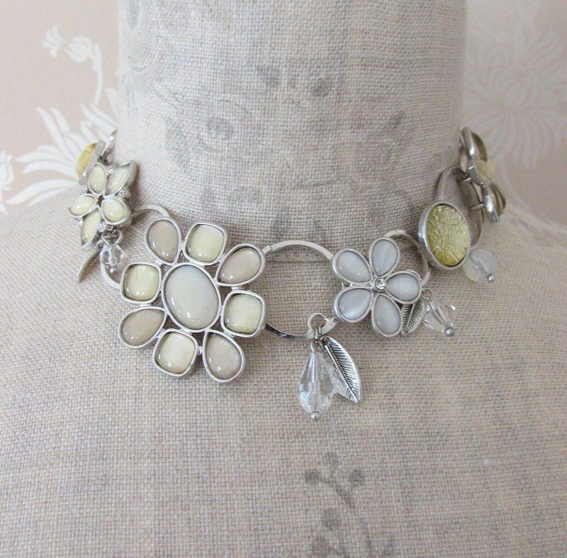 BOHM - Flower Necklace Collar Glass Swarovski - Silver/White Grey Cream Pearl BNWT
